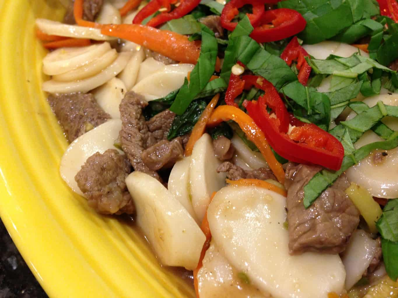 Spicy Thai Beef with Sliced Rice Cakes
